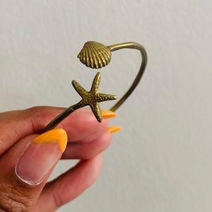 Jewelry - SHELL BANGLE